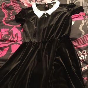 Hot Topic Wednesday Addams black velvet dress S